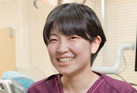 歯科医師 秋知 美穂